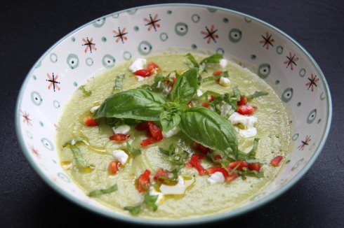 gaspacho courgette, basilic, chèvre frais