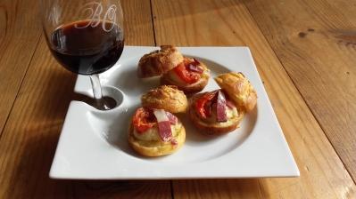 petit-choux-bouchees-apero-aperitif-tomate-sechee-creme-damande-parmesan-magret-fume-blog-lyon-sharing-cuisine-tapas