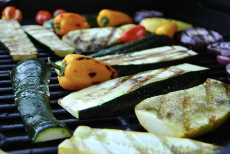 recette barbecue healthy, poulet tandoori, maquereau aux groseille, brochette de crevettes poivron gingembre, sharing cuisine, blog cuisine Lyon, légumes grillés